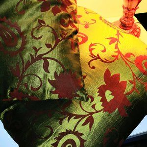 Cushion covers Green Red Paisley Floral